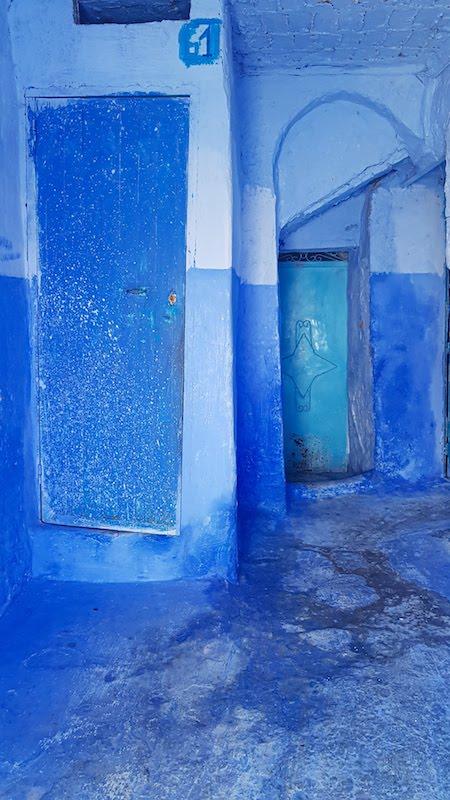 Entrée de maison bleue à Chefchaouen