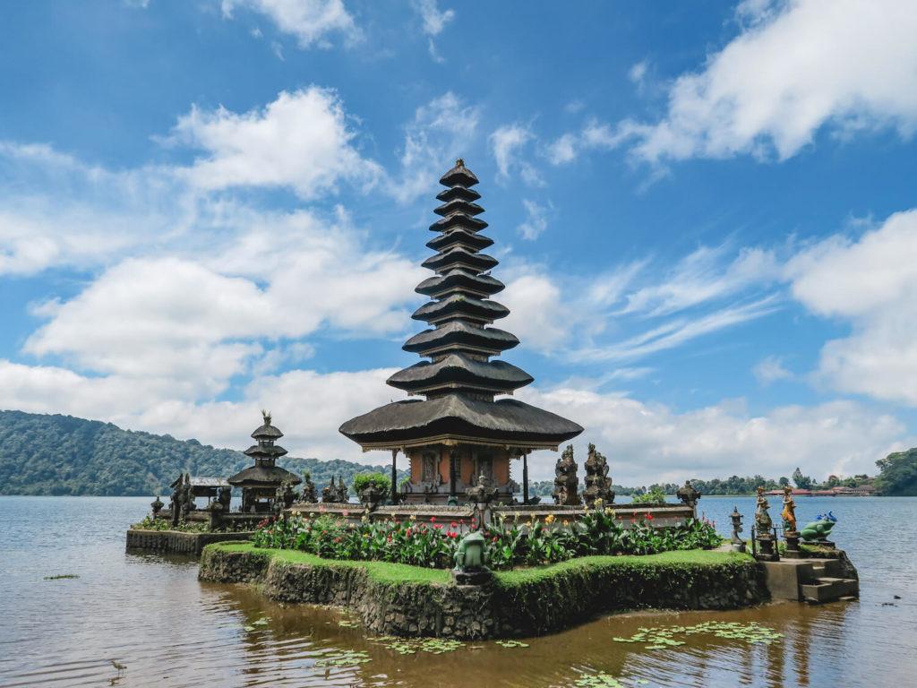 Le temple sur l'eau de Pura Ulun Danu Bratan