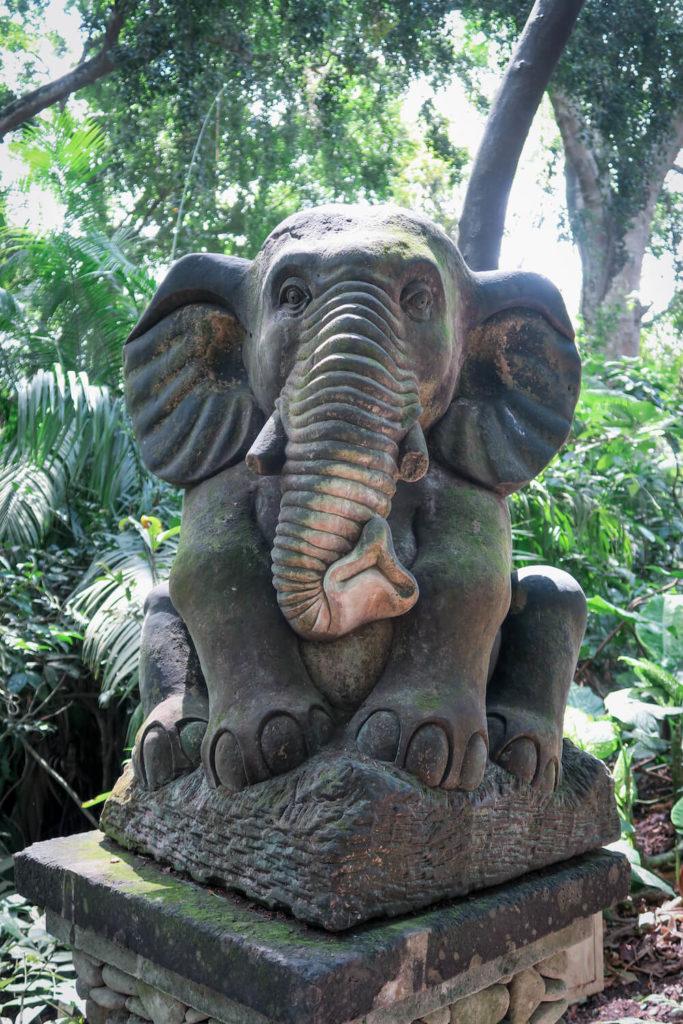 Statue d'éléphant à Ubud, Bali