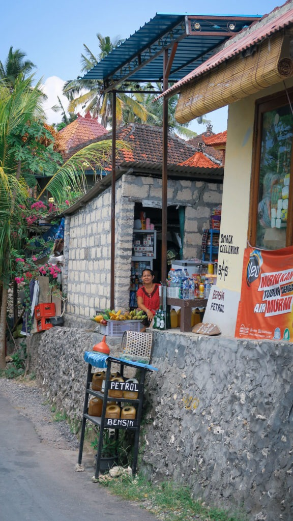 Boutique sur le bord de la route à Nusa Penida, Bali