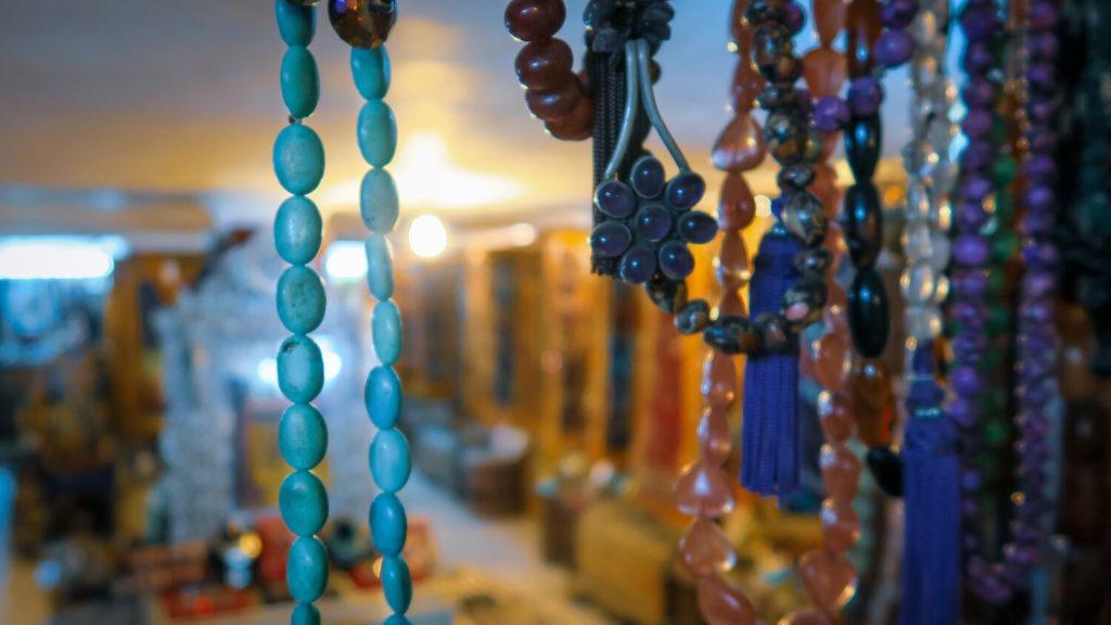 Boutique de bijoux dans les souks de Marrakech