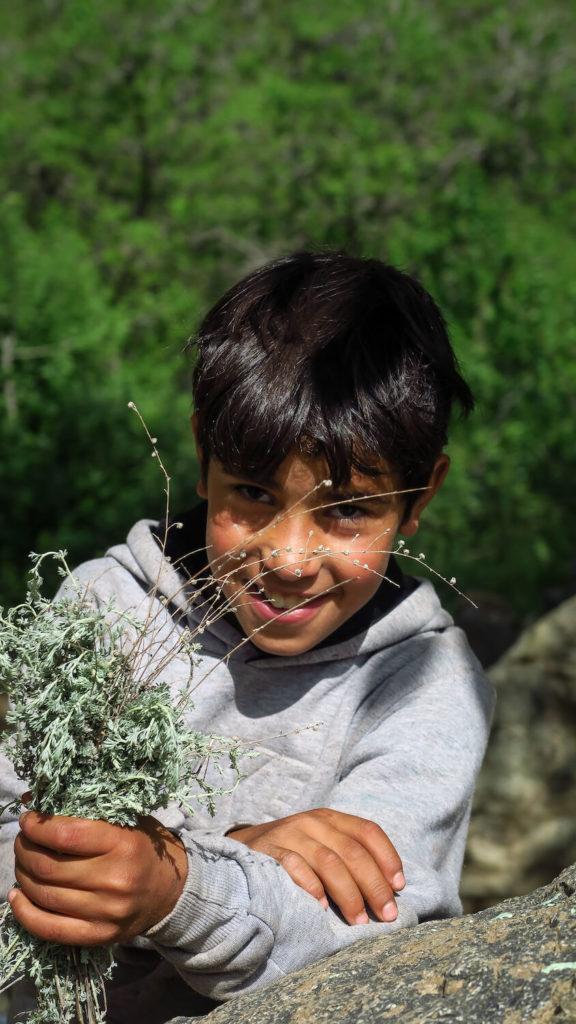 Jeune garçon marocain dans la vallée de l'Ourika