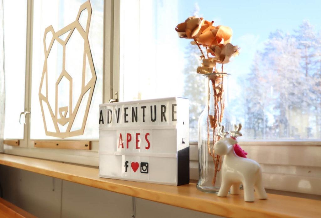 Panneau à Adventure Apes Lodge, centre de vacances près de Kuusamo, Laponie Finlandaise