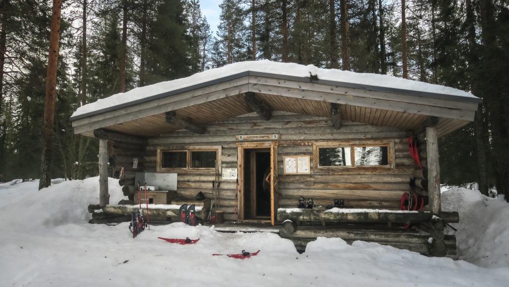 cabane-en-rondins-de-bois-de-jussinkampa-laponie-finlandaise