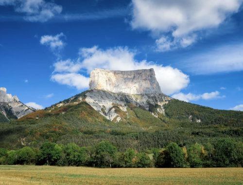 Le Mont Aiguille vu depuis le hameau de la Richardière
