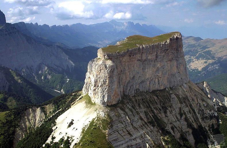 Mont Aiguille vu du ciel