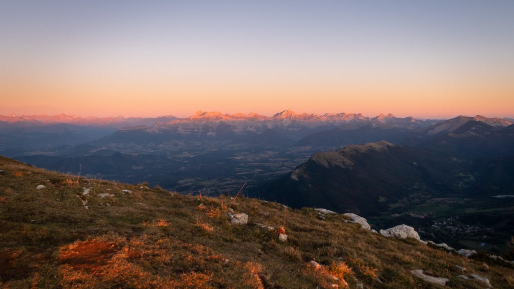 Coucher de soleil avec vue, depuis le sommet du Mont Aiguille