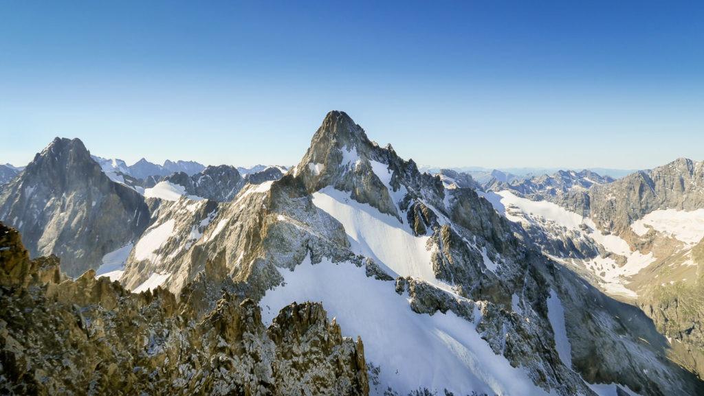 En montagne, le sommet de la Tête de l'Etret