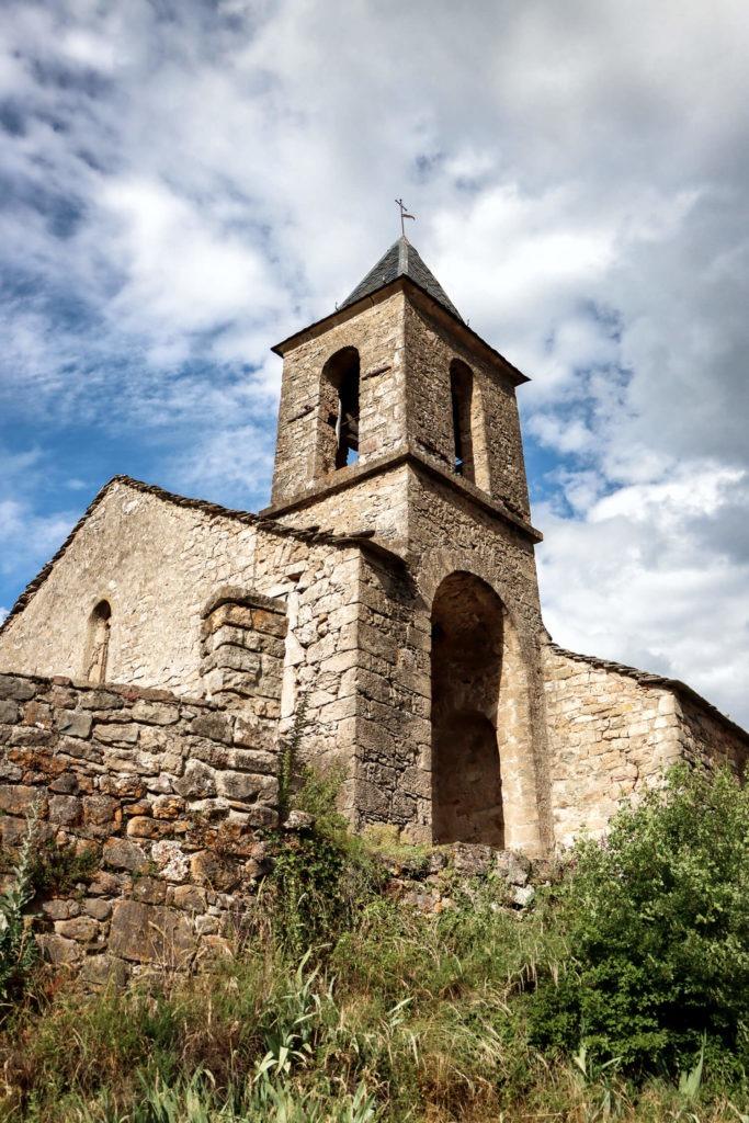 Église romane de Saint-Étienne de Cantobre, vue lors de mon weekend en Aveyron