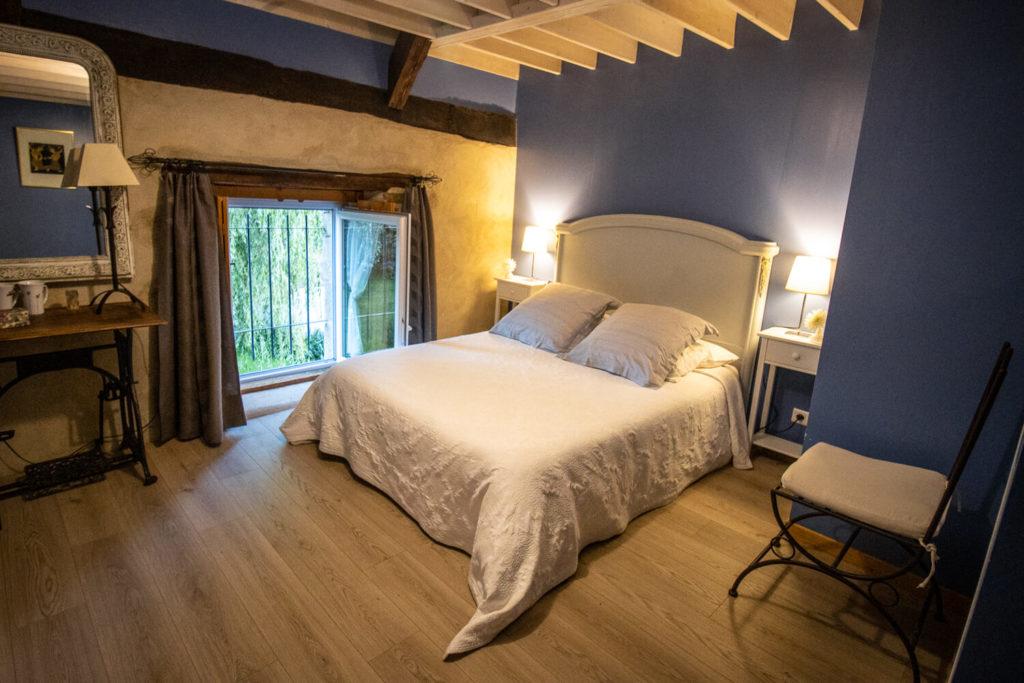 Photo de l'intérieur d'une chambre en chambre d'hôte prise lors de mon road-trip en Bretagne